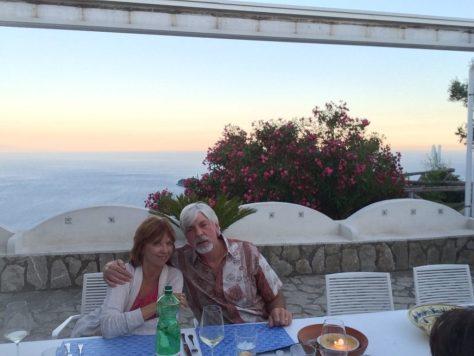 Dining al fresco.  Photo by Kat.