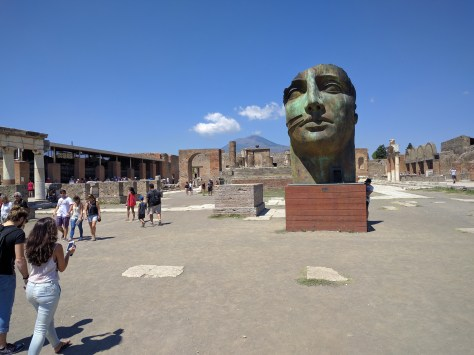 Modern art in Pompeii. Photo by j a-b.