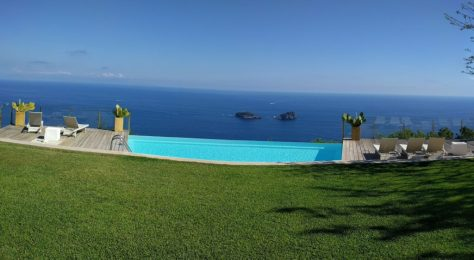 Infinity pool to the sea.  Photo by j a-b.