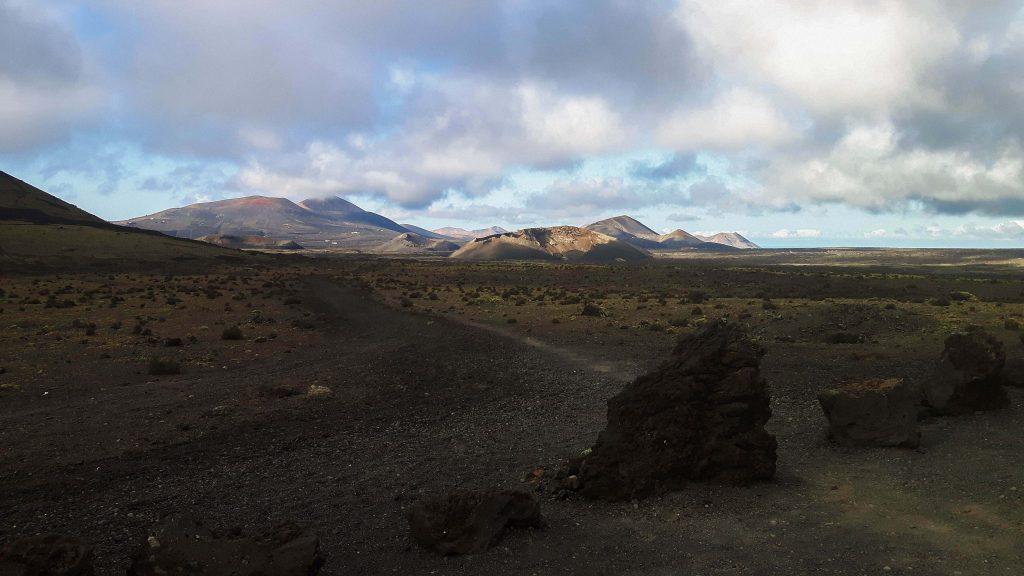 Lanzarote-travel-guide-wanderung-caldera-colorada-vulkan-landschaft-weg (1 von 1) (1)