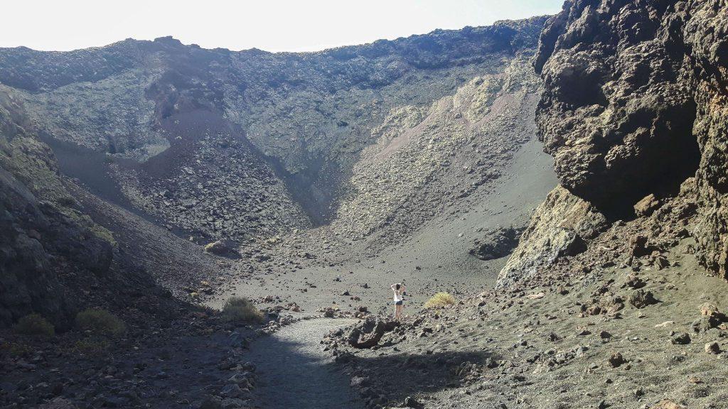 Lanzarote-travel-guide-wanderung-montana-del-cuervo-vulkan-landschaft-krater-luise-ausblick (1 von 1) (1)