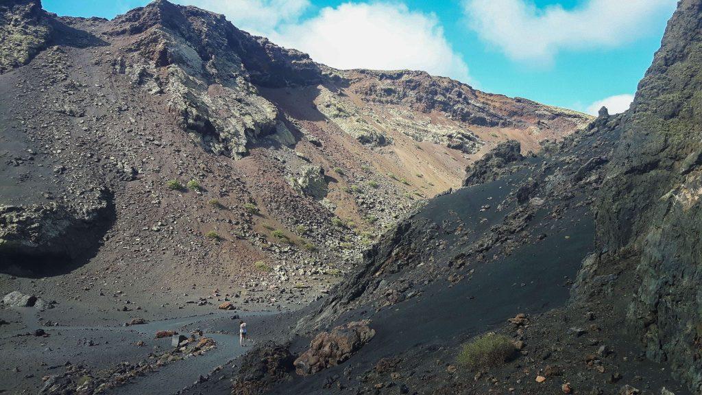 Lanzarote-travel-guide-wanderung-montana-del-cuervo-vulkan-landschaft-krater-luise-gestein (1 von 1) (1)