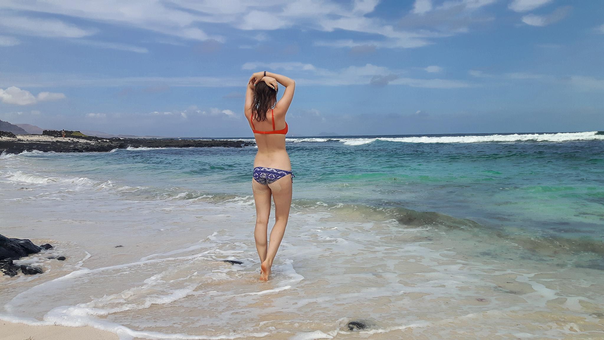 lanzarote-strand-Caletón-Blanco-bikini