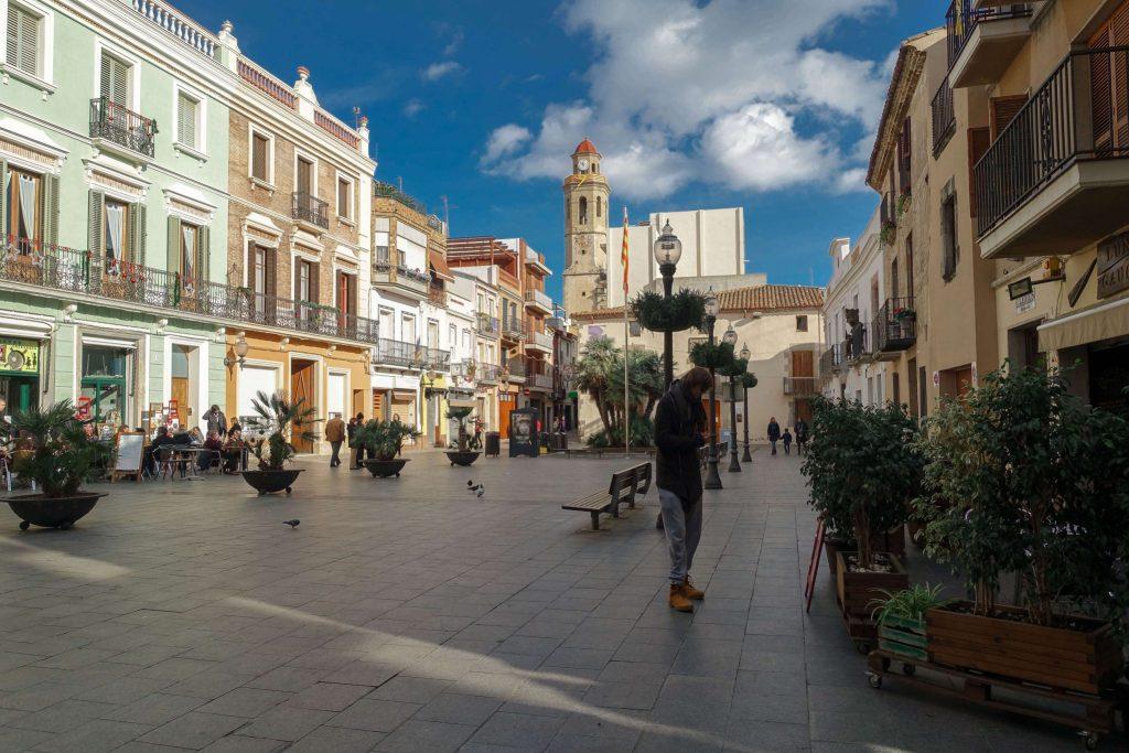 calella-stadt-marktplatz-jan