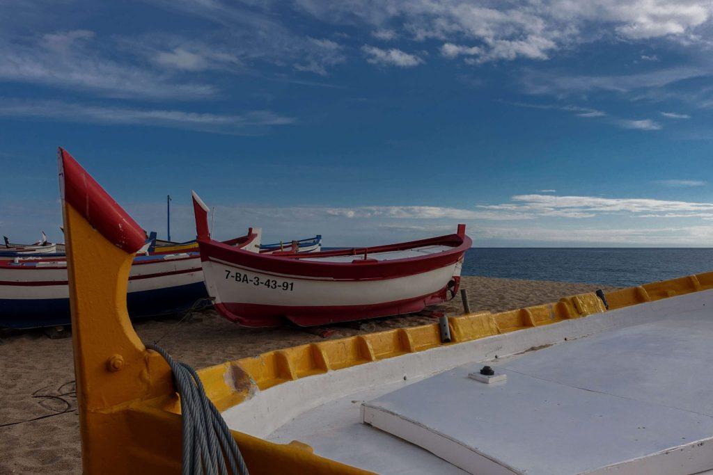 calella-strand-meer-boote