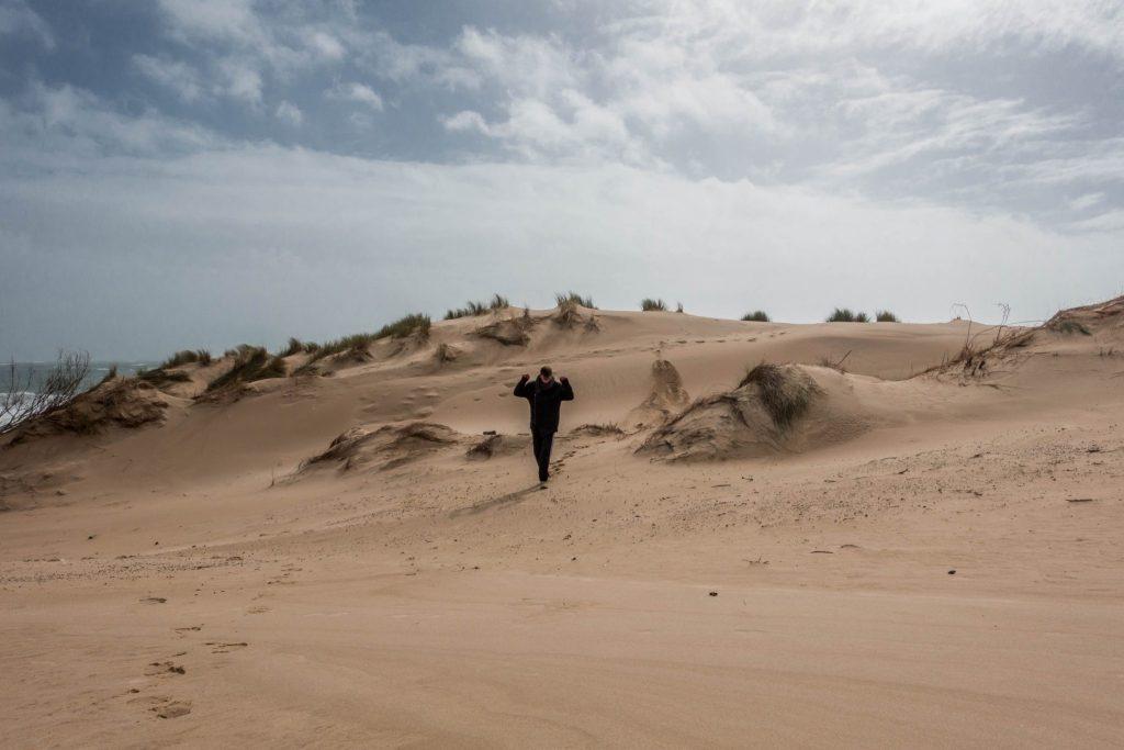 zwölf-dinge-die-du-wissen-solltest-bevor-du-nach spanien-reist-winter-strand