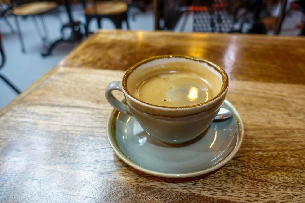 sechs-tipps-fuer-eine-schoene-zeit-im-hostel-das-musst-du-wissen-kaffee (1 von 1)