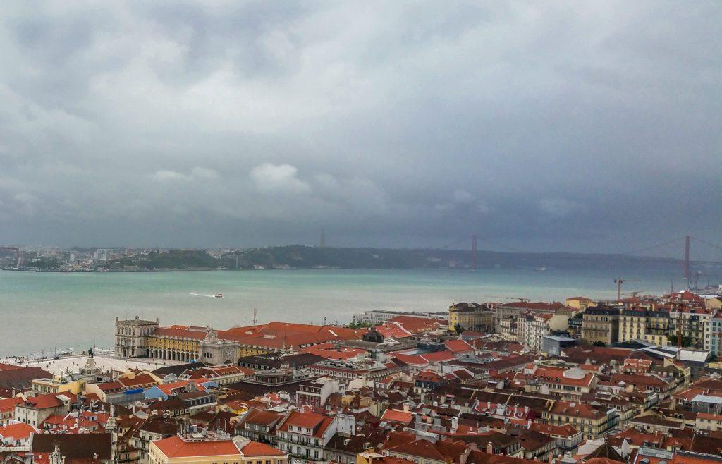 Reiseziele-für-Anfänger-schöne-orte-für-deine-erste-reise-lissabon