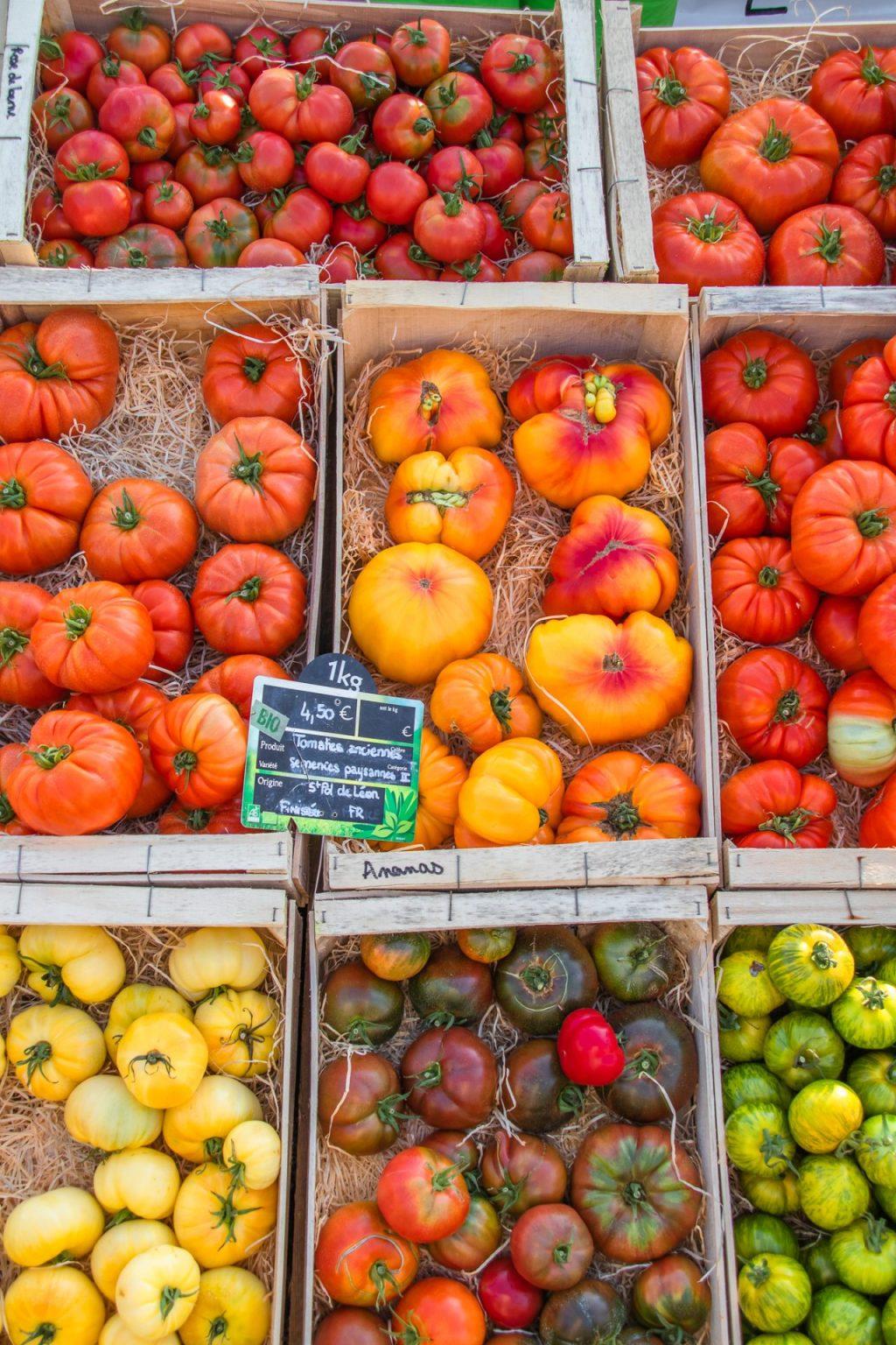 Concarneau-Markt-tomaten