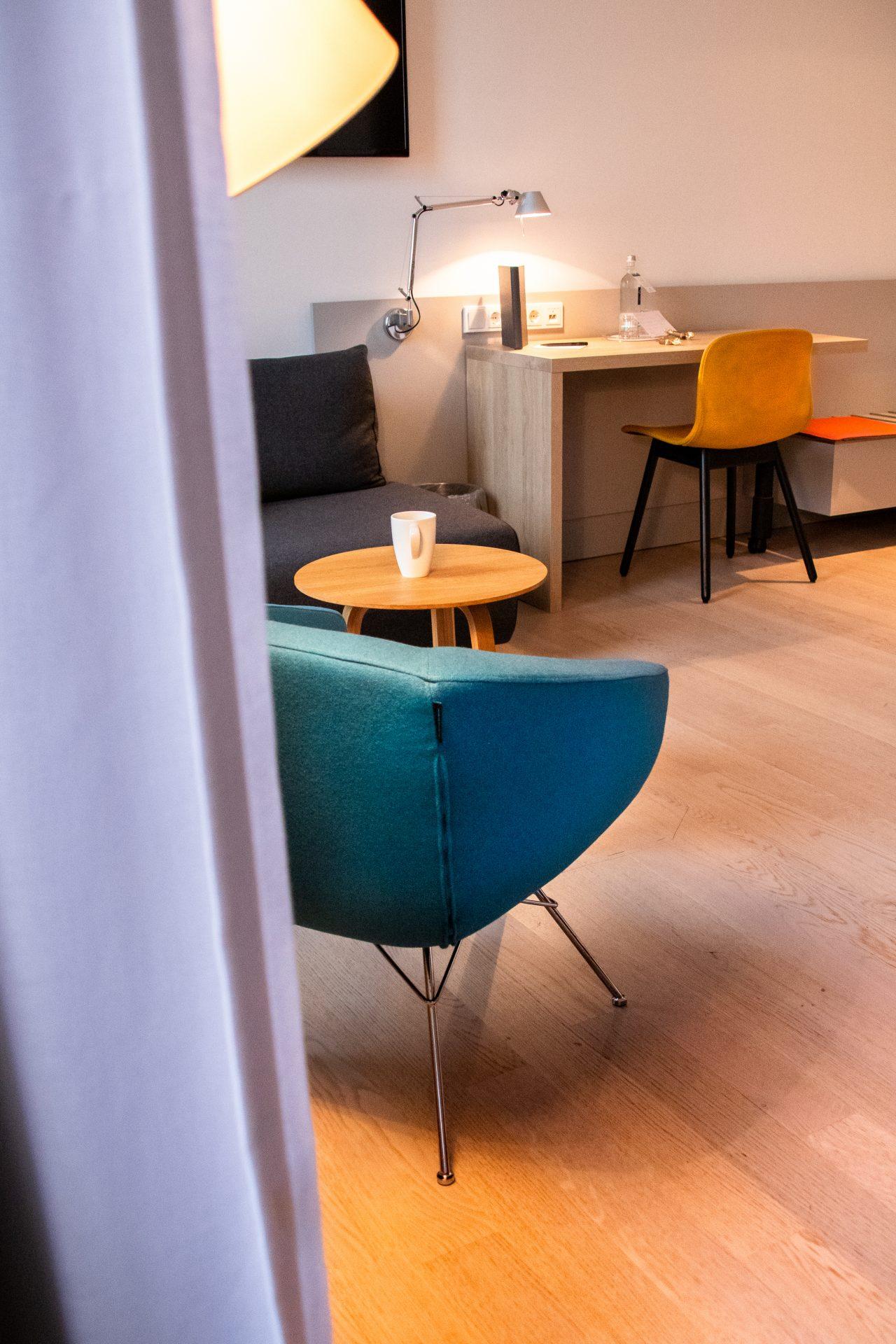 Maximilians-Boutique-Hotel-Landau-schreibtisch