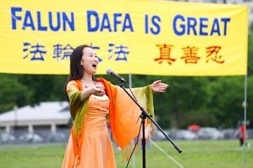 Sing Falun Dafa Is Great