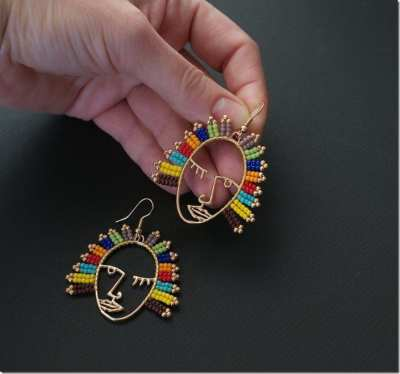 Fashionista Now: The Unique Abstract Face Earrings To Frame Your Festive Ears