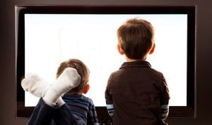 children-watching-televis-453273