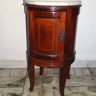 Criado Mudo Oval Antigo Em Madeira Década De 50/60 Piniqueira