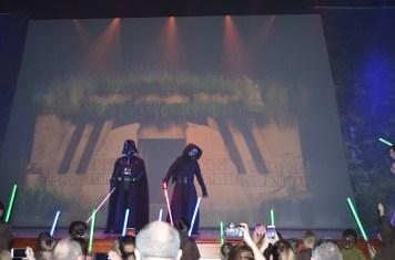 Lorde Vader e Kylo Ren partem