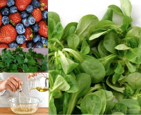 Mache Strawberry Blueberry Salad