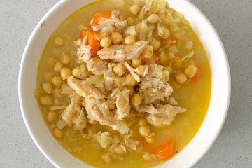 Sopa de garbanzos con pollo
