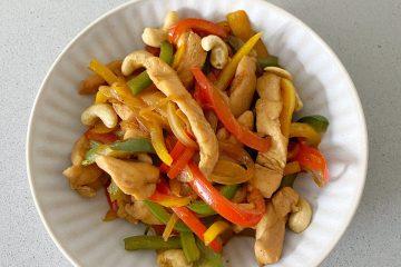 Salteado de pollo y anacardos