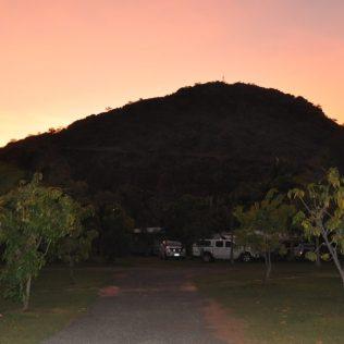 (C) Jule Reiselust: Abendstimmung am Hisden Valley Campground mit Blick auf die Mini-Bungle-Bungles.