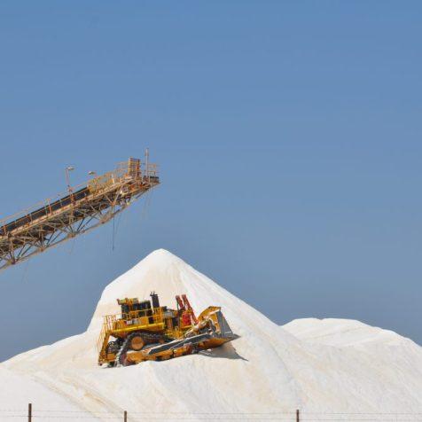 (C) Jule Reiselust: Salzberge aus der Rio Tinto Saline bei Port Hedland.