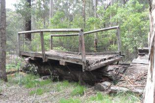 (C) Jule Reiselust: Die One Tree Bridge bei Mnajimup bestand aus einem Karritree.