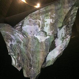 (C) Jule Reiselust: Die Matterhorn-Installation hängt im Luftraum des Gasometer Oberhausen.