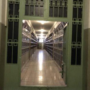 (C) Jule Reiselust: Zellengang - heute hängen hier die Fotos der inhaftierten Menschen.