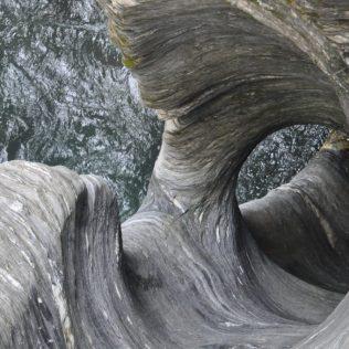 (C) Jule Reiselust: ca. 10 m tiefes Strudelloch.