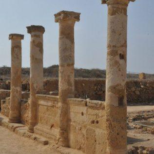 (C) Jule Reiselust: Säulen im Haus des Theseus