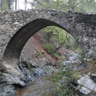 (C) Jule Reiselust: Elaiasbrücke über den Finioti.