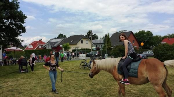 Ponyreiten auf dem Durlacher Platz