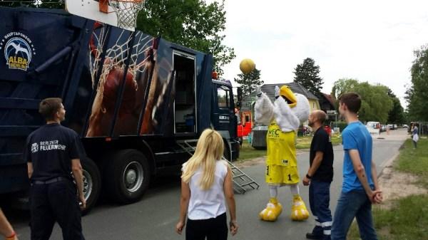 Basketball spielen mit dem Albatros