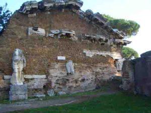 ostia rom-tempel augustus-ostia antica