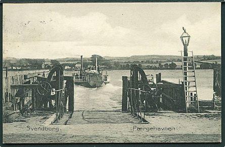 """Vindeby med """"Carlas Hus"""" og kroen set fra Svendborg i 1910"""