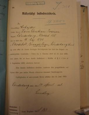 """Midlertidige indfødsretsbevis, som er udstedt den 14. april 1921. """"Eftersom han beviseligt har haft fast bopæl i de sønderjyske Landsdele i Tiden fra 1. oktober 1918 til 15. juni 1920""""."""