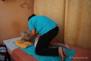 Elefanten, Strand und wilde Affen - Thai-Massage für Anton