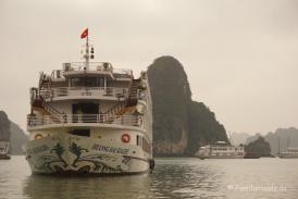 Luxusdampfer in der Halong Bucht