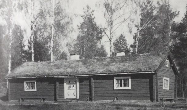 Trehörna hembygdsgård stod ursprungligen på Fiflefall men flyttades runt 1950.