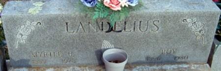 Roy och Myrtles gravsten på the Baptist Ford Cemetery, Greenland i Arkansas. Källa: Findagrave.com.