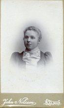 Ellen Johansson, förmodligen nykonfirmerad, i så fall 1897.