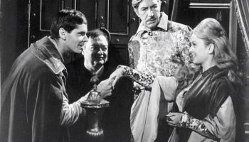 Jack Nicholson, Peter Lorre, Vincent Price, Olive Sturgess