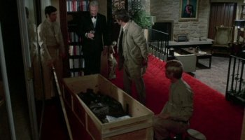 Eddie Albert, Peter Falk, and a box full of souvenirs in Columbo