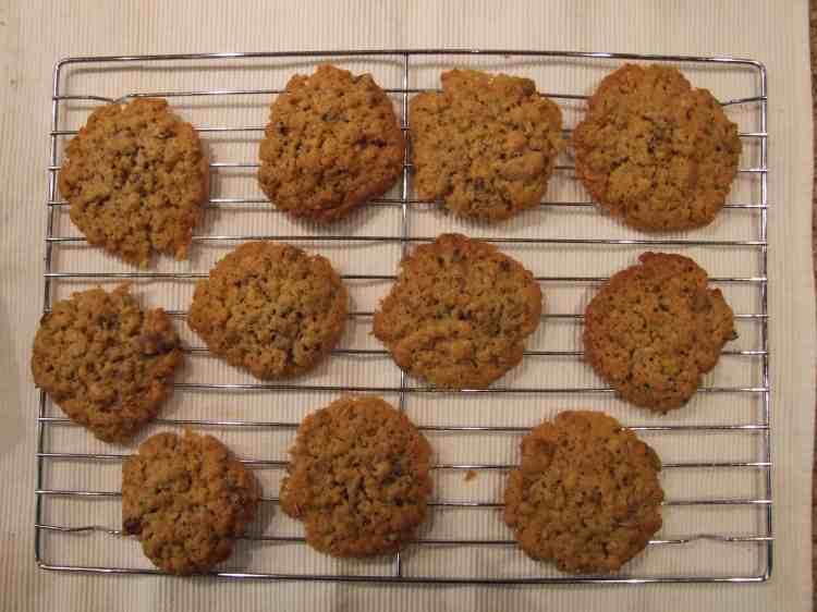Muesli cookies on cooling rack