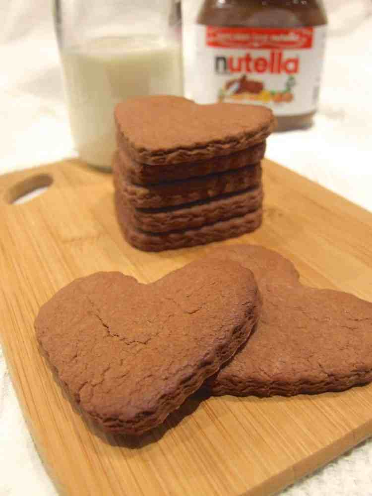 3 ingredient nutella shortbread cookies - crisp, chocolatey and delicious!