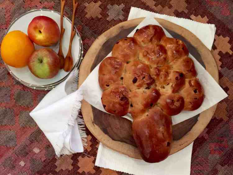 fruity 'tree' challah for Tu' B'Shevat