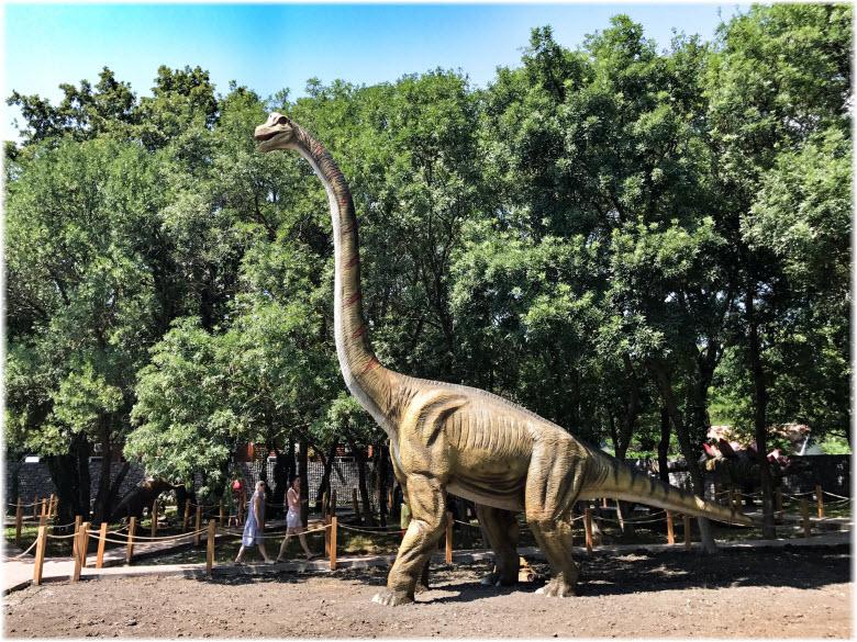 Динопарк, бронтозавр