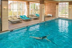 Довиль, бассейн, семейный отдых