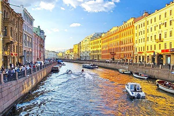Каникулы с ребёнком, Петербург