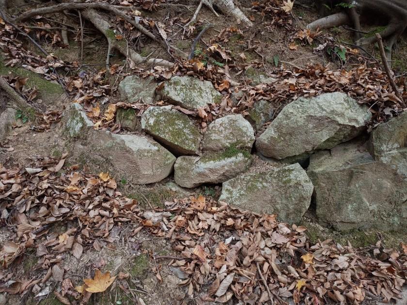 松尾寺遺跡の石垣