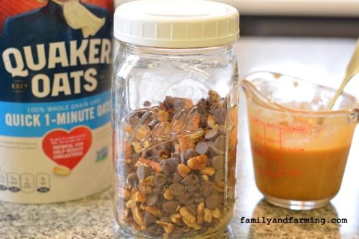 Ingredients for Oatmeal Carmelitas
